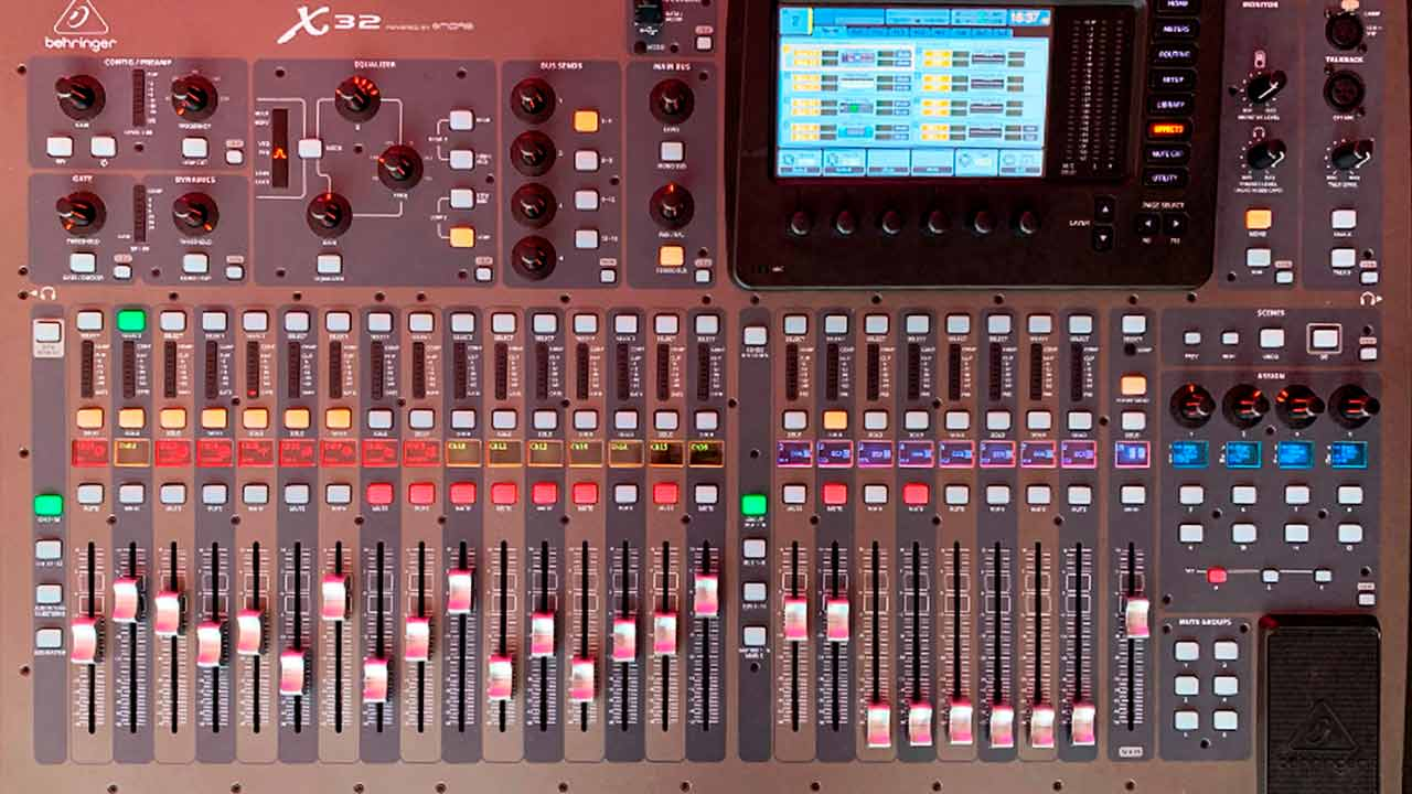 Consola Behringer X32